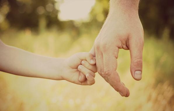 ruka-ruki-papa-syn-deti-dochka.jpg
